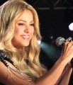 Shakira_Oral-B_Crest_3D_White_Making_Of_The_TV_Spot_mp40083.jpg